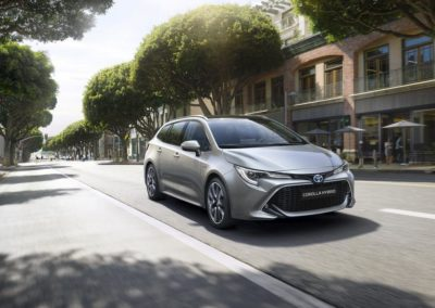 toyota-corolla-touring-sports-2019-gallery-01-full_tcm-20-1553850