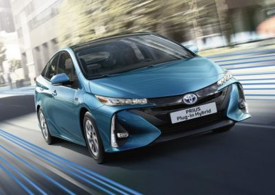 toyota-prius-plug-in-2016-gallery-01-full_tcm-20-1685330