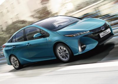 toyota-prius-plug-in-2016-gallery-02-full_tcm-20-1685333