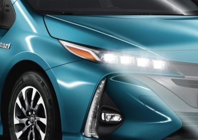 toyota-prius-plug-in-2016-gallery-08-full_tcm-20-1685351
